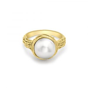 Cultured freshwater pearl ring yellow gold