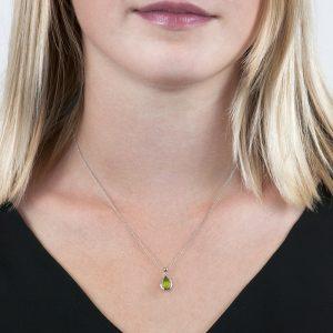 White gold peridot pendant