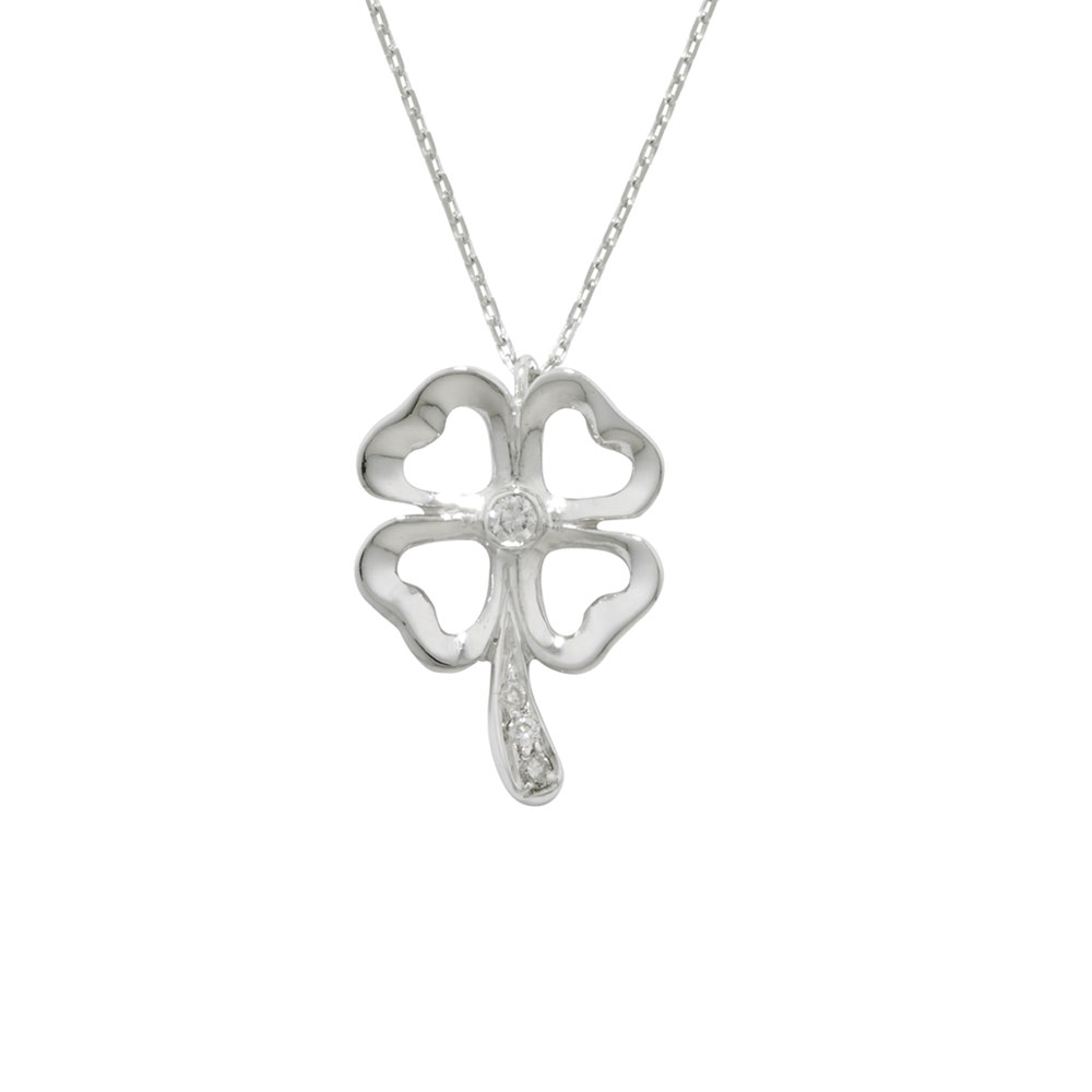 Diamond clover pendant white gold