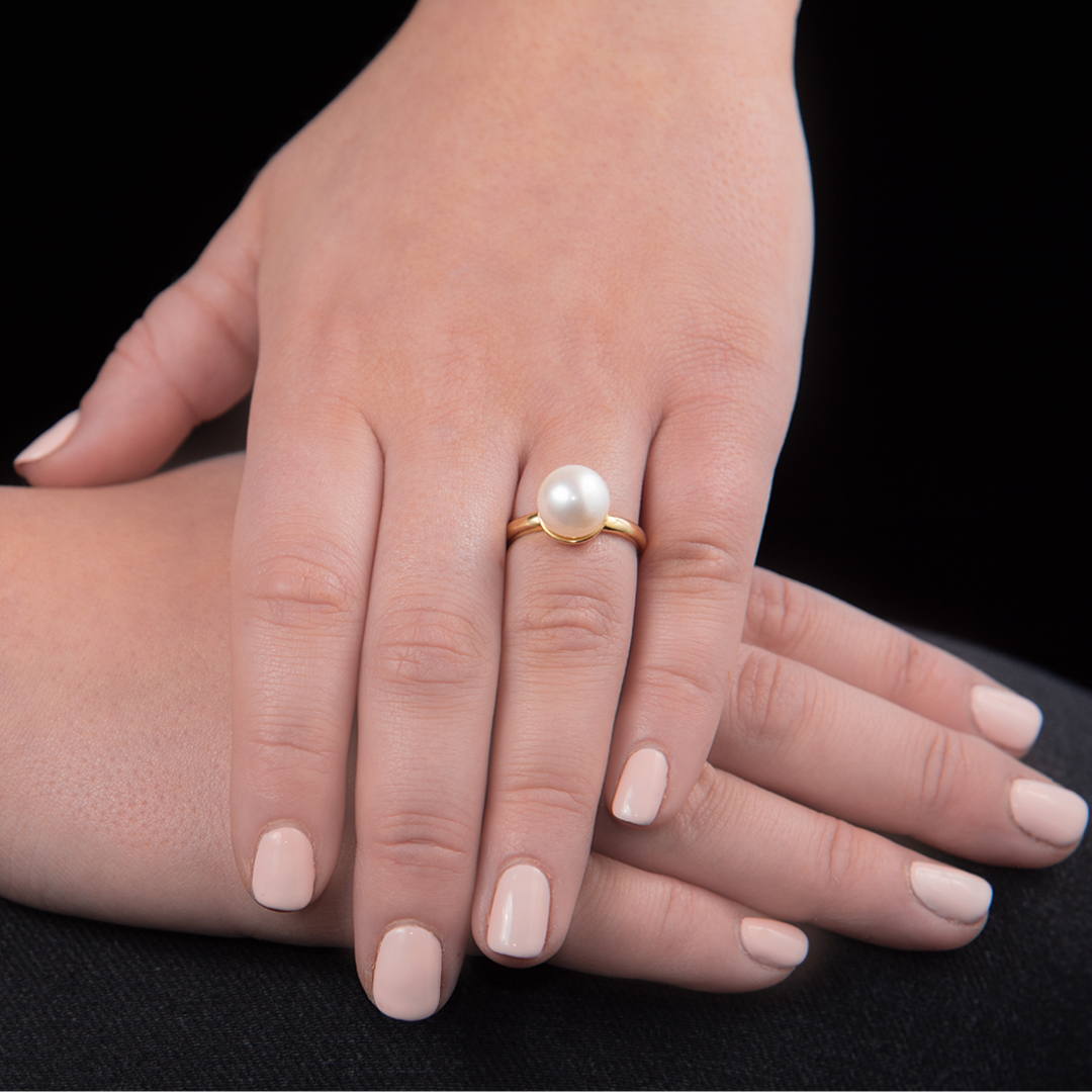 Yellow gold cultured freshwater pearl ring
