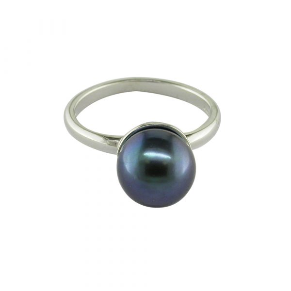 Black cultured freshwater pearl ring white gold