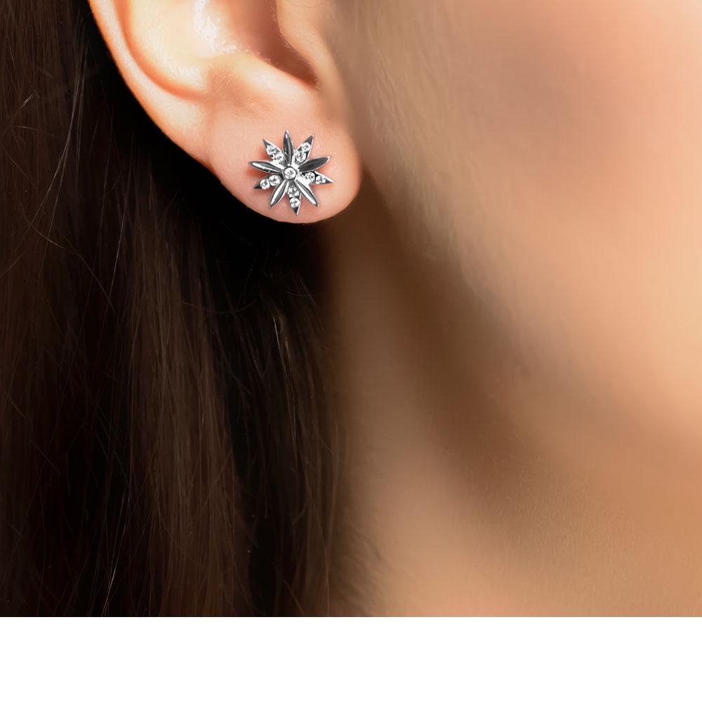 White Gold Diamond Velvet Leaf Stud Earrings