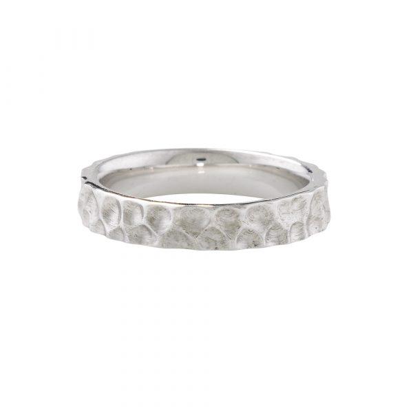 Hammered ring white gold