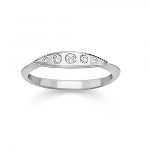 Diamond velvet leaf ring white gold