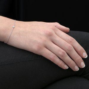 White Gold Single Diamond Raindrop Bracelet