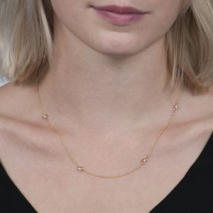 Yellow gold buttercup chain necklace
