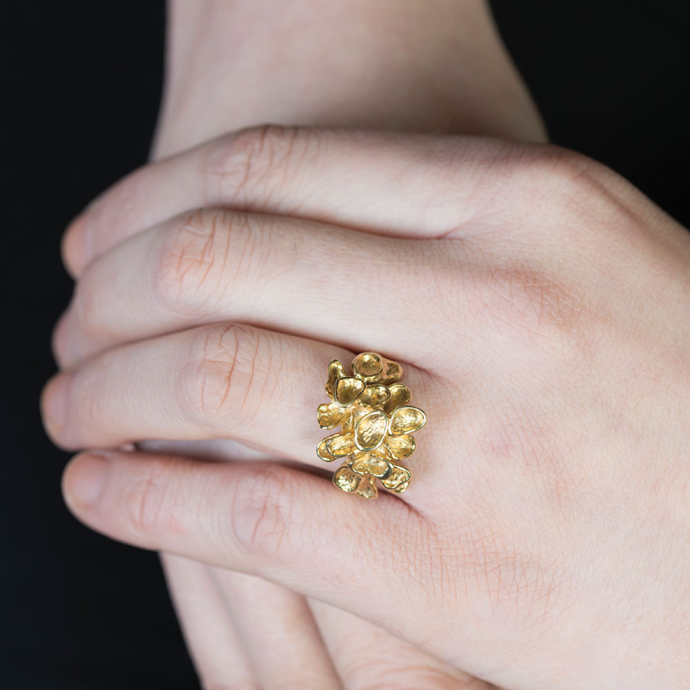Yellow gold falling leaf ring