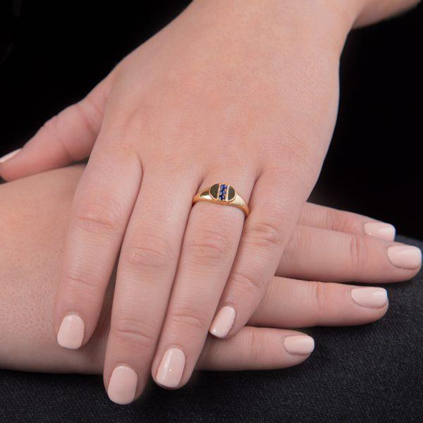 Yellow gold lapis lazuli signet ring